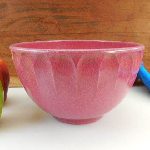 Boonton USA Vintage Raspberry Pink Melamine Mixing Kitchen Bowl - 2 Quart