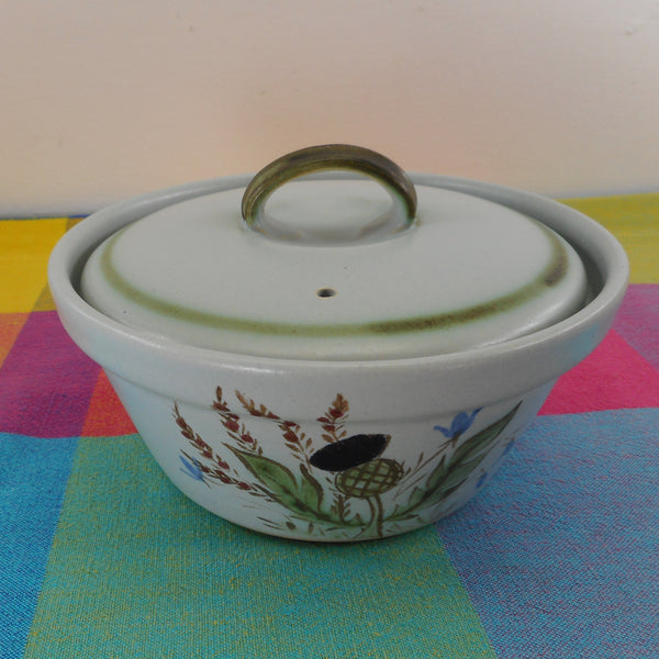 Buchan Stoneware Scotland Thistle Ware - 257/30 1 Quart Covered Casserole