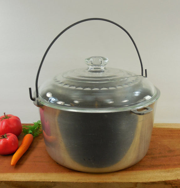 SOLD... Castrite Ware Cast Aluminum - Dutch Oven Round Pot - Wagner C-10 Glass Lid -  10 Qt Quart
