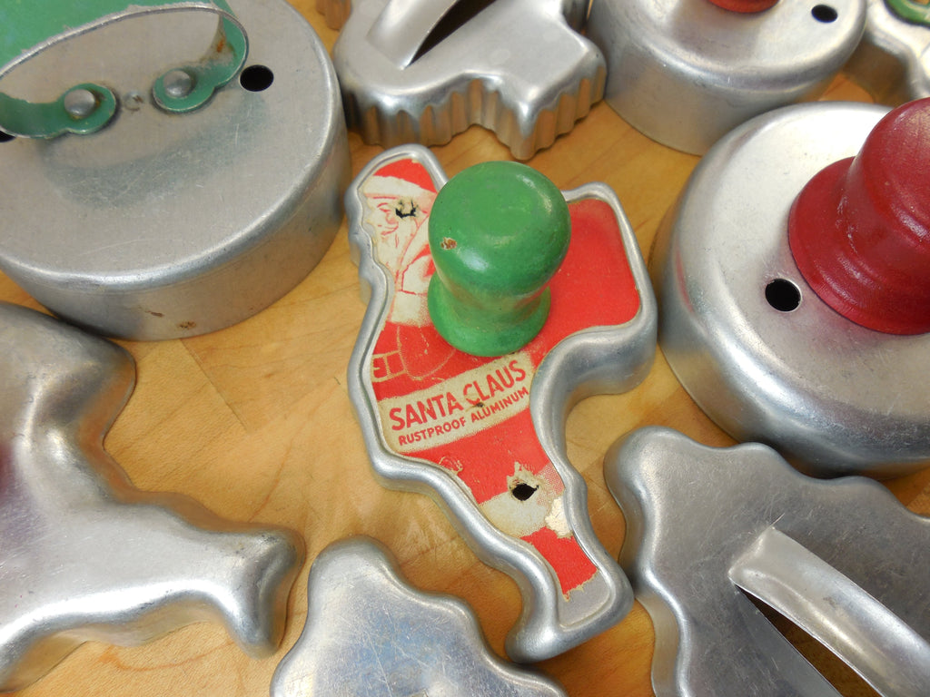 Sold Cookie Cutter 20 Lot Vintage Aluminum Red Green