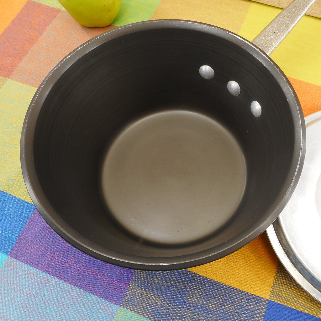 Commercial Cookware Toledo USA (Calphalon) 2-1/2 Quart Windsor Saucepan - Hard Anodized Used