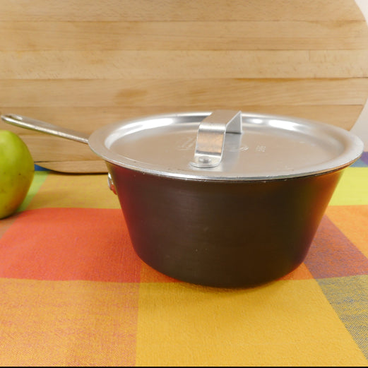 Commercial Cookware Toledo USA (Calphalon) 1-1/2 Quart Windsor Saucepan - Hard Anodized
