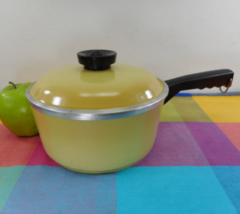 Club Aluminum USA 2 Quart Sauce Pan Lid Harvest Gold Yellow - Mid Century Vintage Cookware