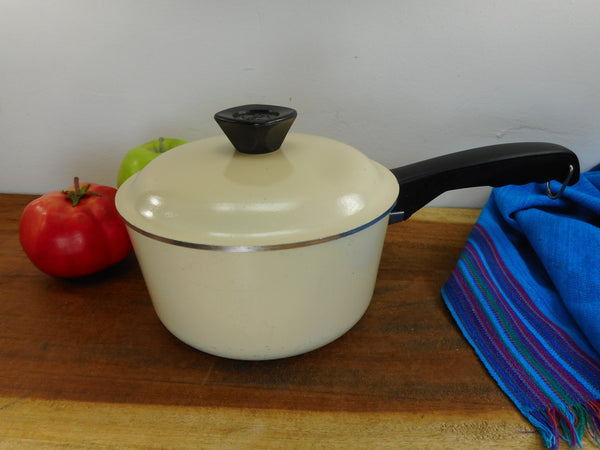 Club Aluminum USA Small 1-1/2 Quart Sauce Pan Lid - Almond Tan Beige - Mid Century Vintage Cookware