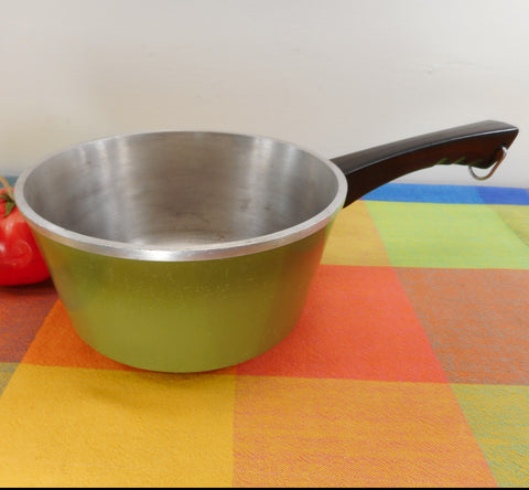 "Club Aluminum USA Green Evercast ""e"" 2 Quart Saucepan - No Lid"