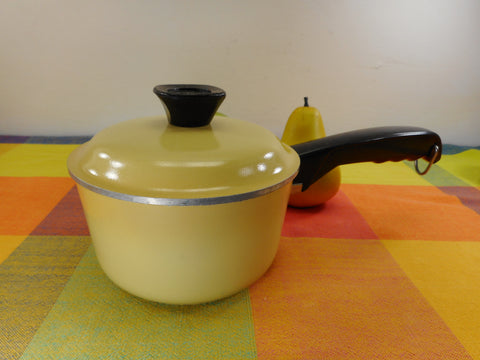 Club Aluminum USA 1 Quart Sauce Pan Lid Harvest Gold Yellow - Mid Century Vintage Cookware