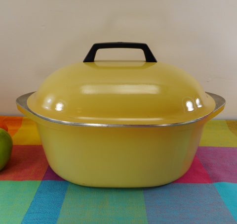 Club Aluminum USA 6 Quart Oval Roaster Pot & Lid - Harvest Gold Yellow - Mid Century Vintage Cookware