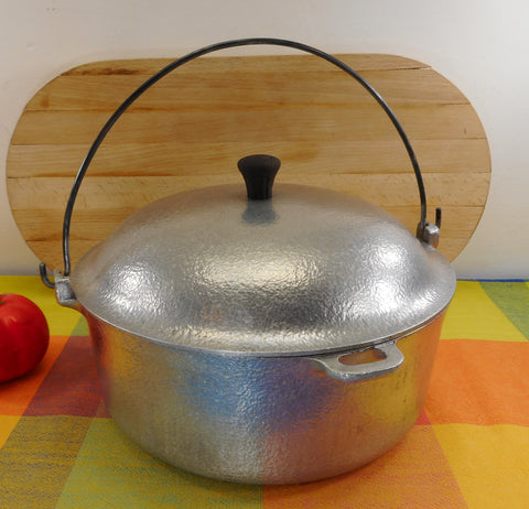 Club Aluminum HammerCraft Cast Aluminum 4-1/2 Quart Dutch Oven - Hammered Bail Handle