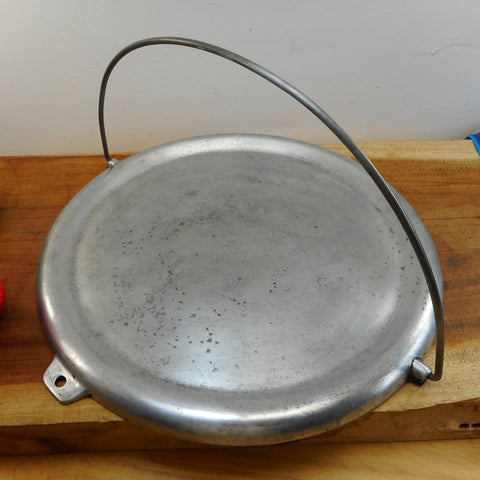 Club Aluminum Early Vintage Round Reversible Griddle with Bail Handle