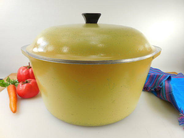 Club Aluminum USA Large 8 Qt Dutch Oven - Stock Pot & Lid - Yellow Harvest Gold - Mid Century Vintage Cookware
