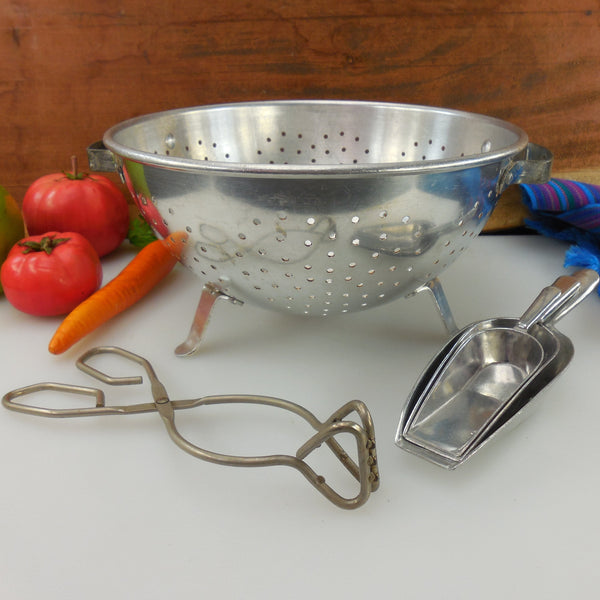 "Kitchen Tool Lot Polished Aluminum 9"" Colander, 3 Scoops, Tongs England"