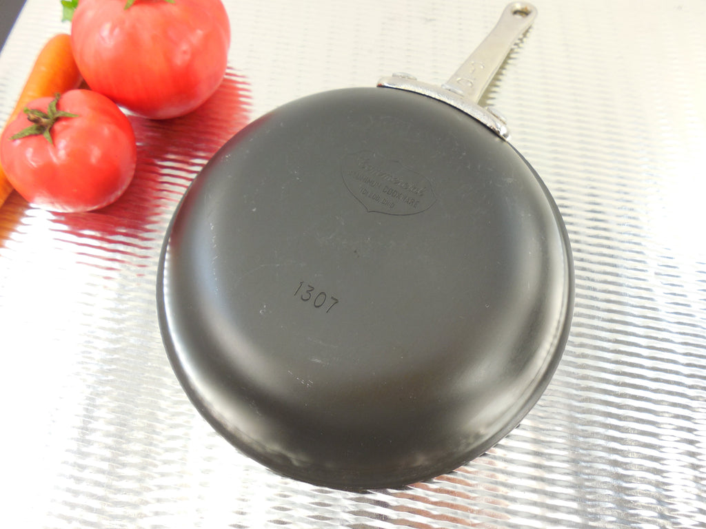 "Commercial Cookware Toledo - (Calphalon) Aluminum Skillet Fry Pan - 1307 Small 7"" bottom"