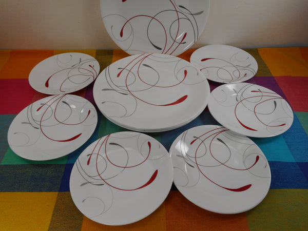 Corelle USA Round Splendor 4 Dinner & 6 Bread Butter Plates - Used