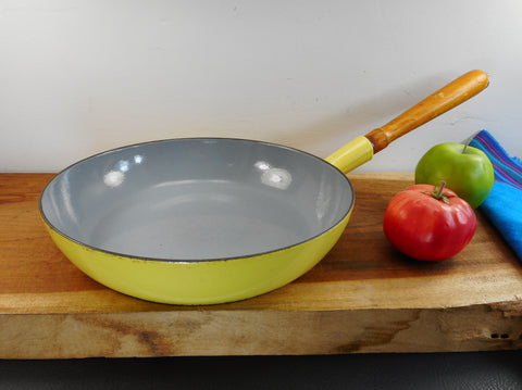 "Descoware Belgium - Large Yellow/Grey Enamel Cast Iron 12"" Chef Fry Pan Skillet - Wood Handle"