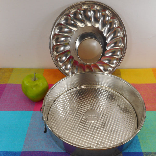 "Dr Oetker Germany - 10-1/4"" Combo Round Cake Bundt Spring Form Pan Tin Steel"