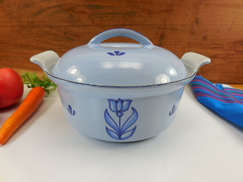 Dru Holland Cast Iron Enamel 1-1/2 Quart Round Casserole Pot - Blue Tulip 18 cm Vintage Cookware
