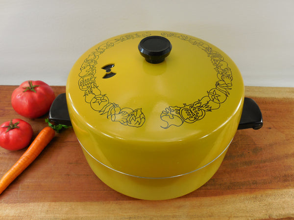 Wear Ever Registered 5 Qt Dutch Oven Stock Pot - vintage yellow cookware