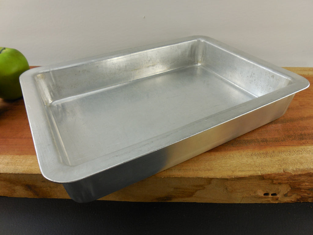 Sold Rema Insulated Aluminum 2 Vintage Bake Ware Items