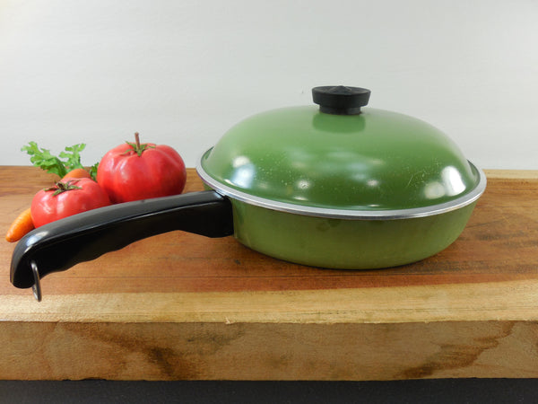 "Club Aluminum 10"" Fry Pan Skillet with Lid - Avocado Green Mid Century Vintage Cookware"