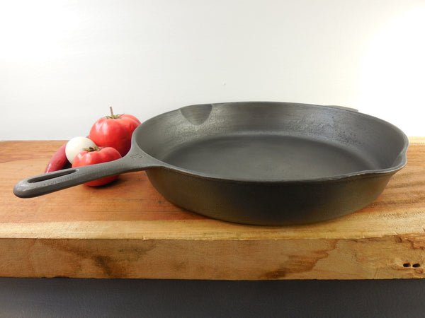"SOLD... Wagner Unmarked Cast Iron Skillet 14"" - Large Chicken Fryer #12 - Cleaned"