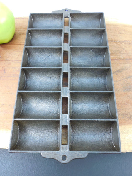 Vintage Griswold Unmarked Antique Cast Iron French Roll Muffin Pan - View 2
