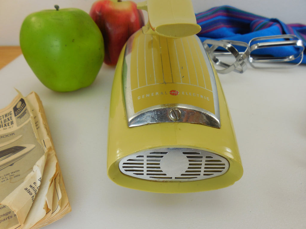 Ge General Electric Hand Held Electric Mixer 1965