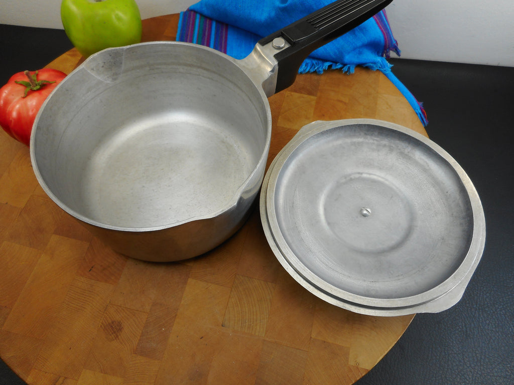 GHC Magnalite (Wagner) USA 2 Quart Saucepan and Lid - Model 4682 Used Vintage