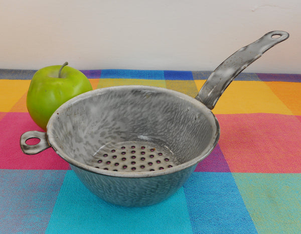 "Graniteware Antique Grey Enamelware 6"" Colander Strainer - Old Farmhouse Cottage"