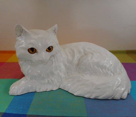 Homco 1970s Full Size White Cat Figure Cast Sculpture Yellow Eyes