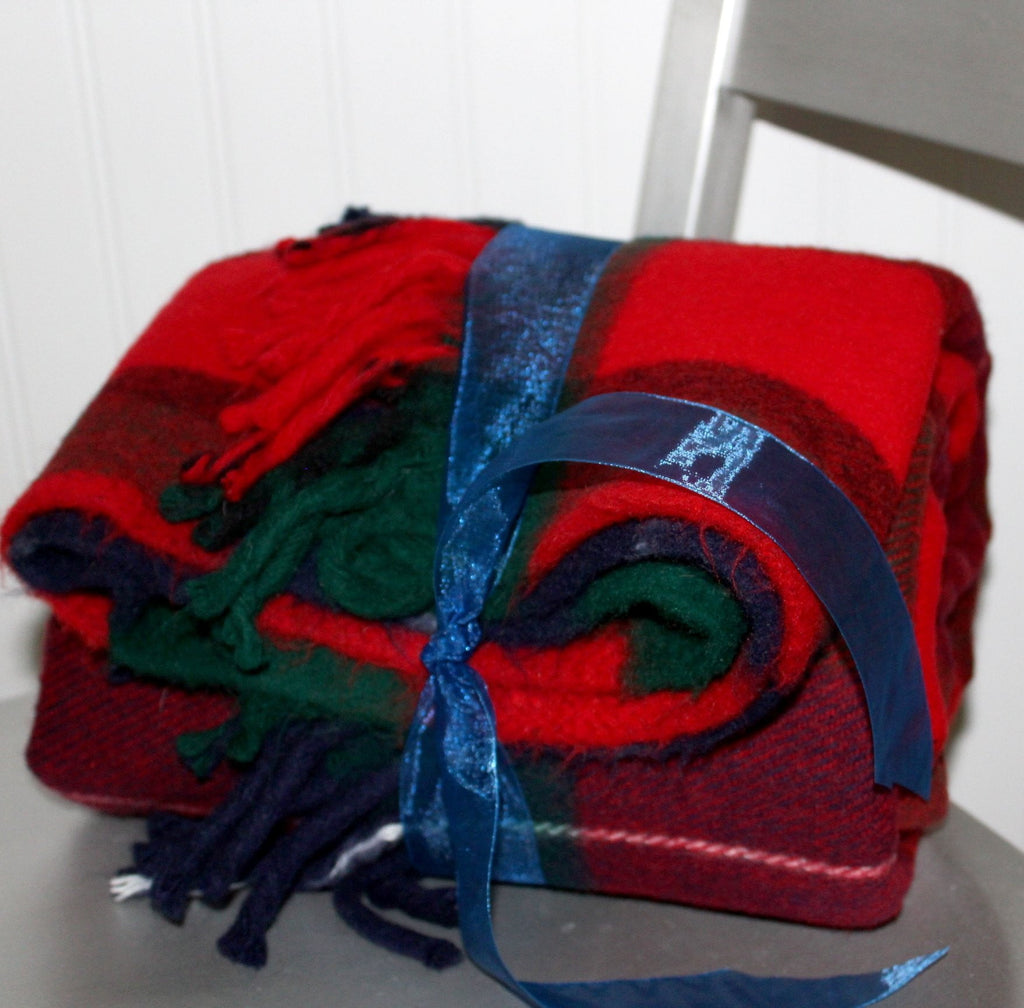 Faribo Throw Blanket Acrylic Washable Red Green Navy Blue
