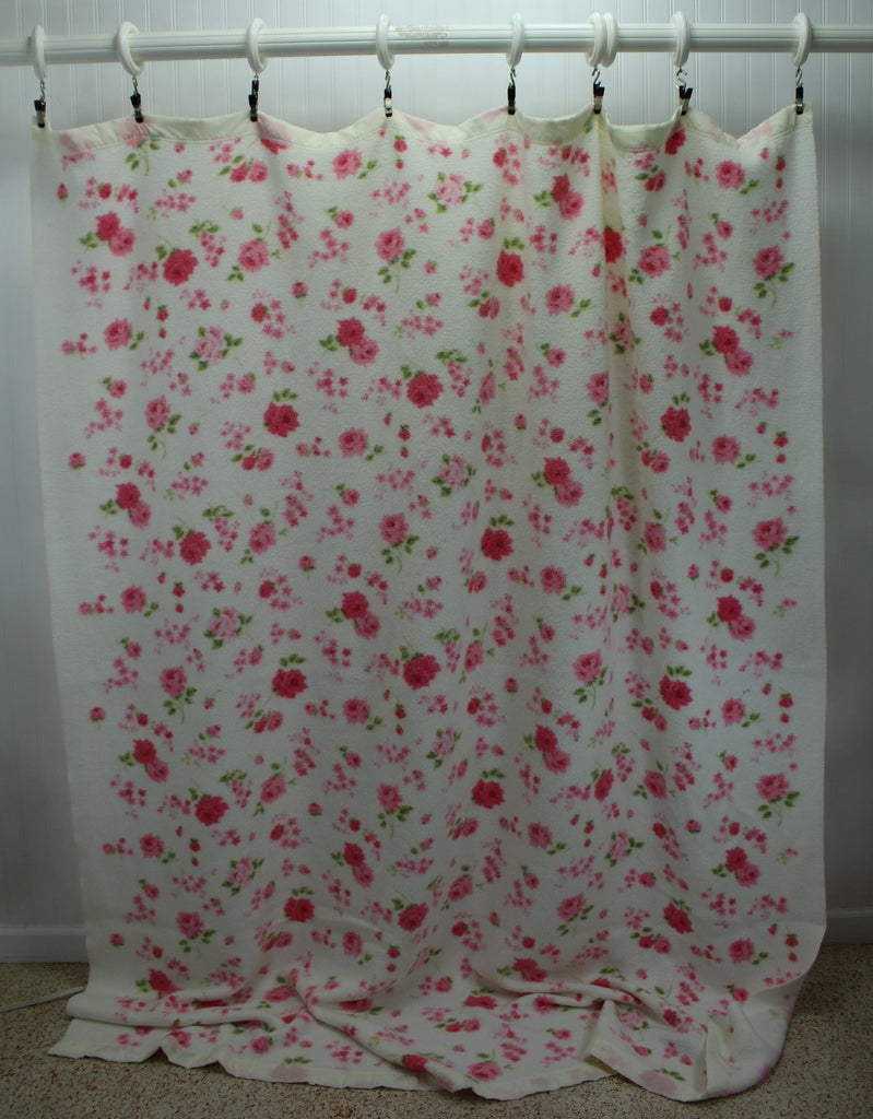 "Poly Cotton Blanket Flowers White Pink Vintage Cottage Chic 69""X82"" cabin cover"
