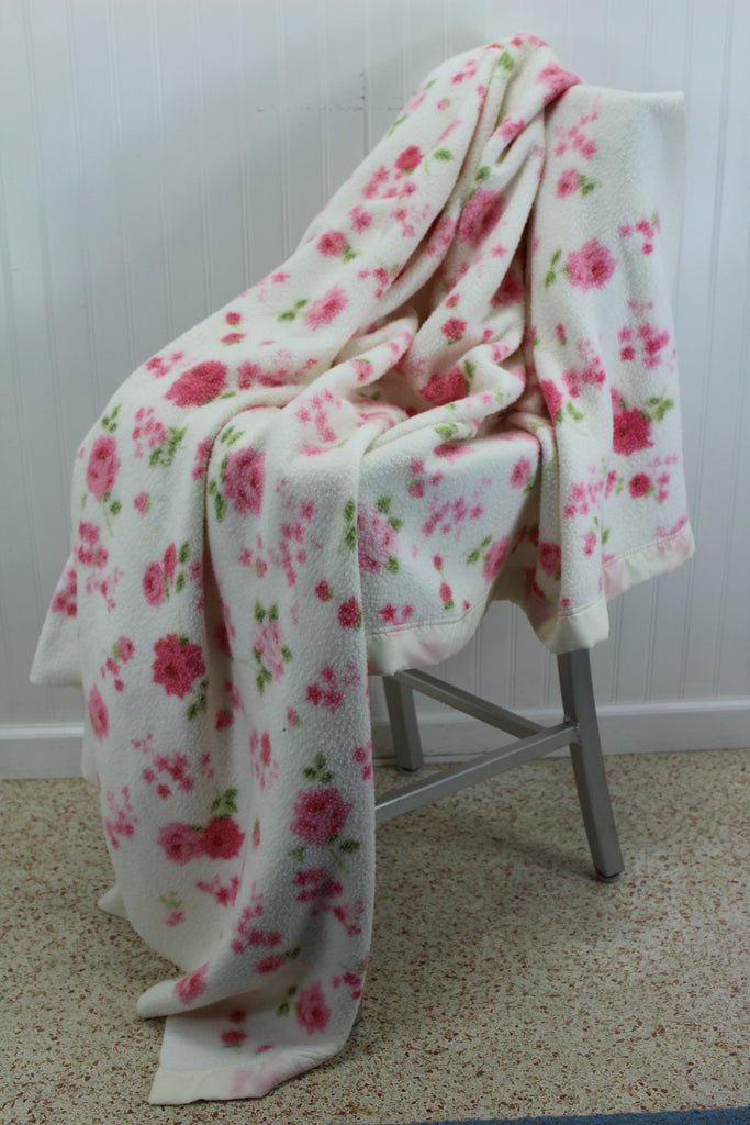 "Poly Cotton Blanket Flowers White Pink Vintage Cottage Chic 69""X82"" cabin"