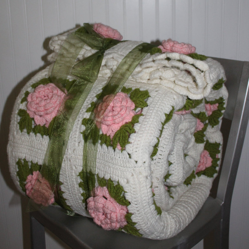 Vintage Crochet Coverlet Bedspread Dimensional Flowers Hand Made Large Heavy