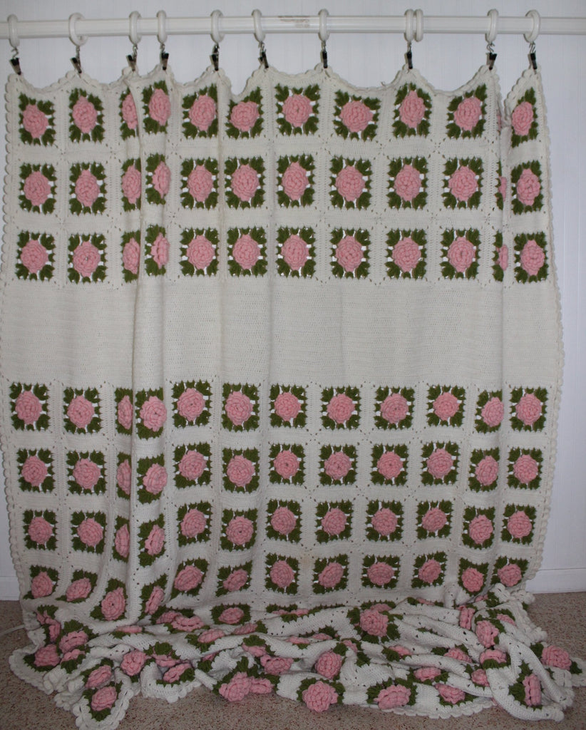 Vintage Crochet Coverlet Bedspread Dimensional Flowers Hand Made Large Heavy huge
