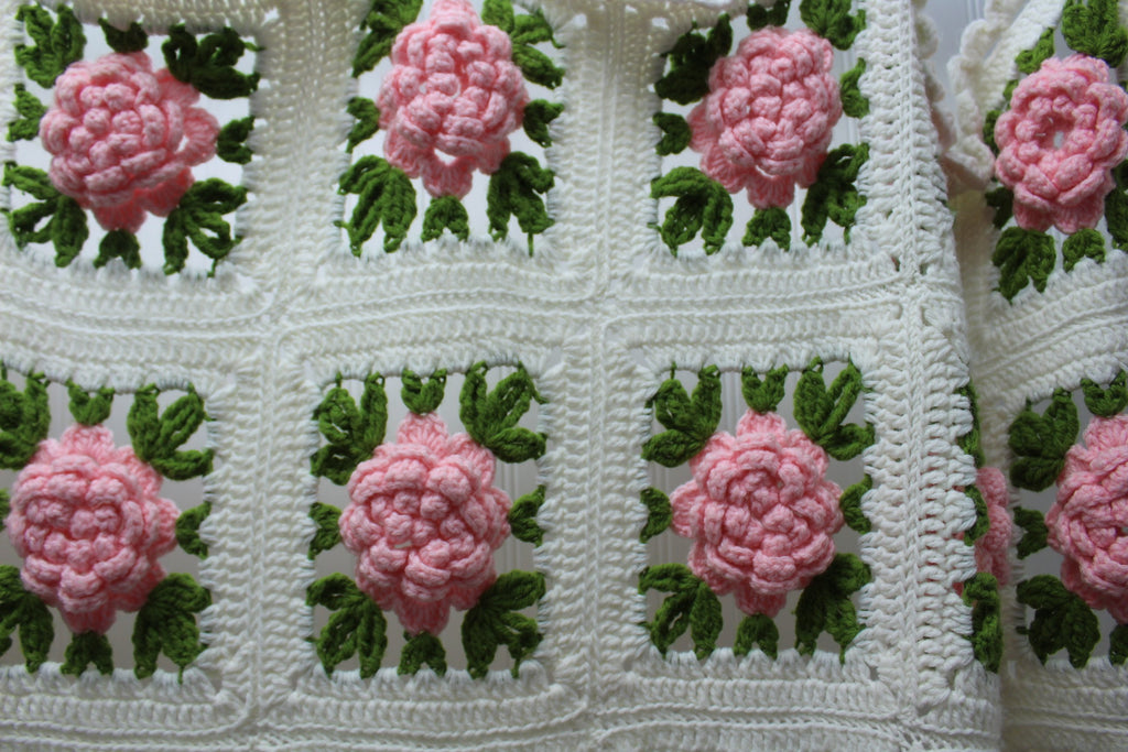 Vintage Crochet Coverlet Bedspread Dimensional Flowers Hand Made Large Heavy collectible