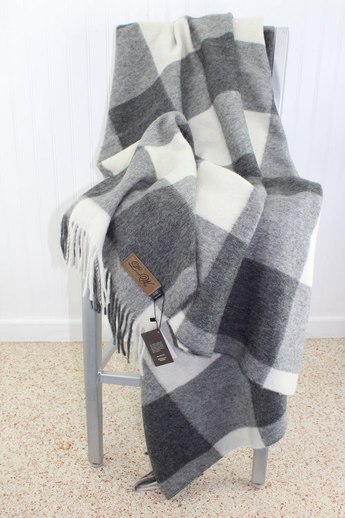 Linen Way Throw Blanket  Alpaca Wool Luscious Grey White Cabot M'ment Logo fluffy