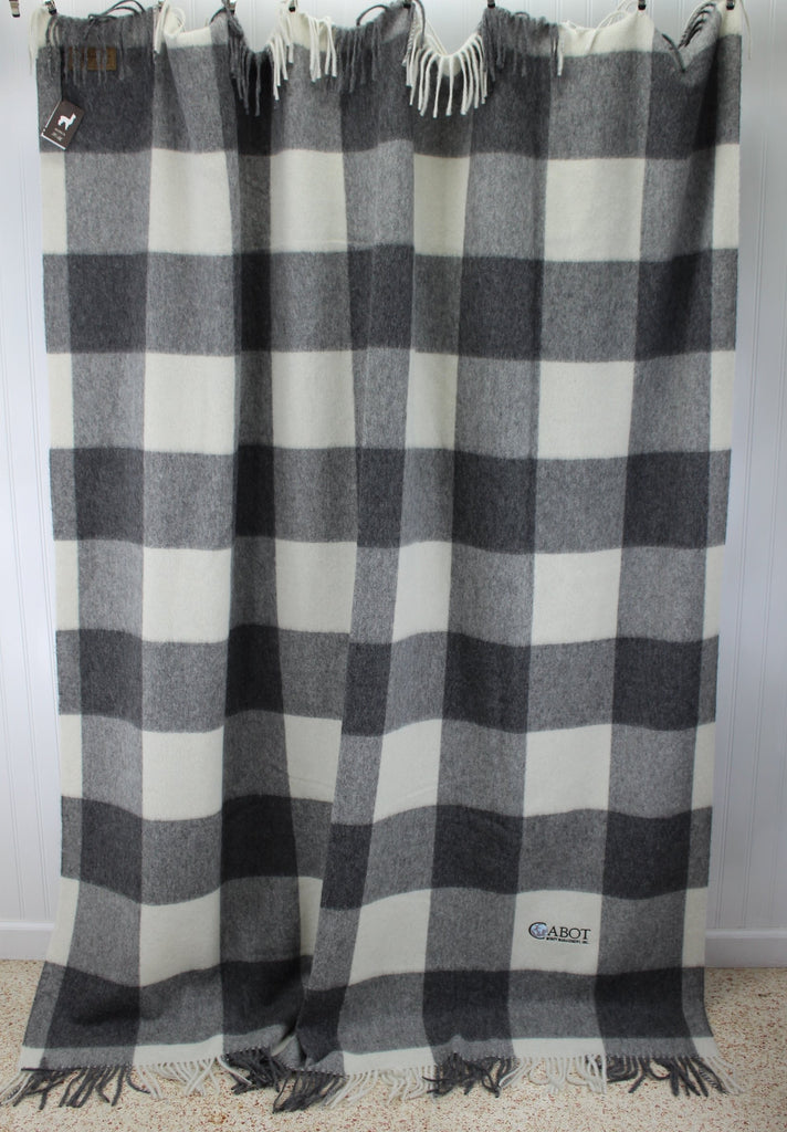 Linen Way Throw Blanket  Alpaca Wool Luscious Grey White Cabot M'ment Logo collectible