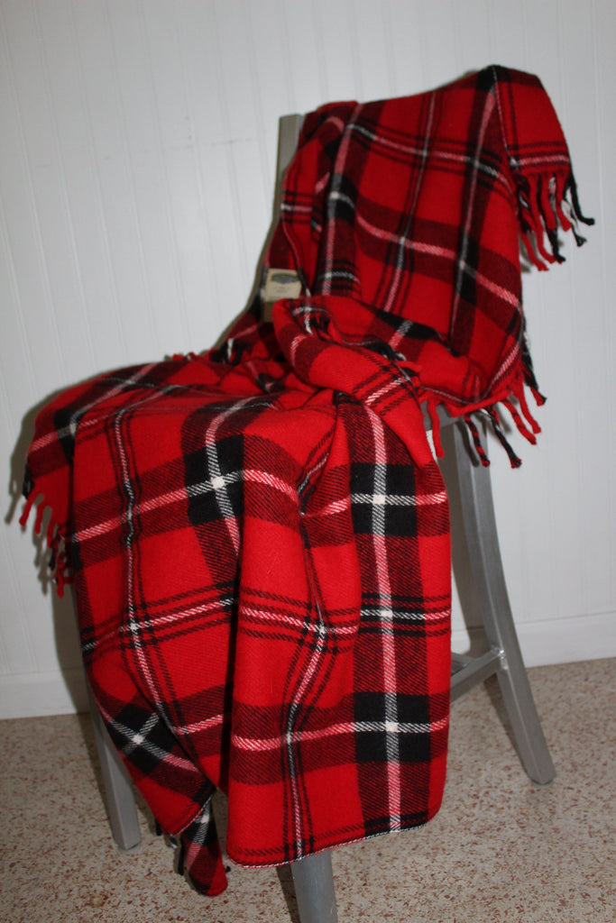 Faribo Acrylic Throw Red Black Plaid Fringed All Season blanket washable