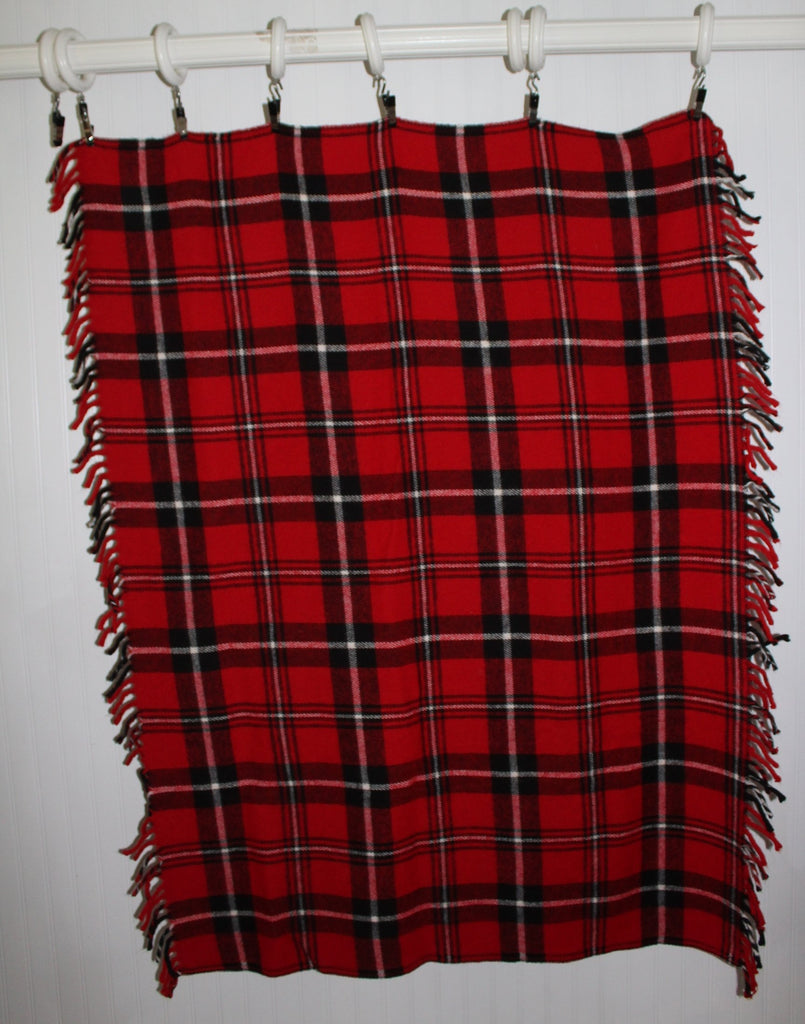Faribo Acrylic Throw Red Black Plaid Fringed All Season blanket stadium
