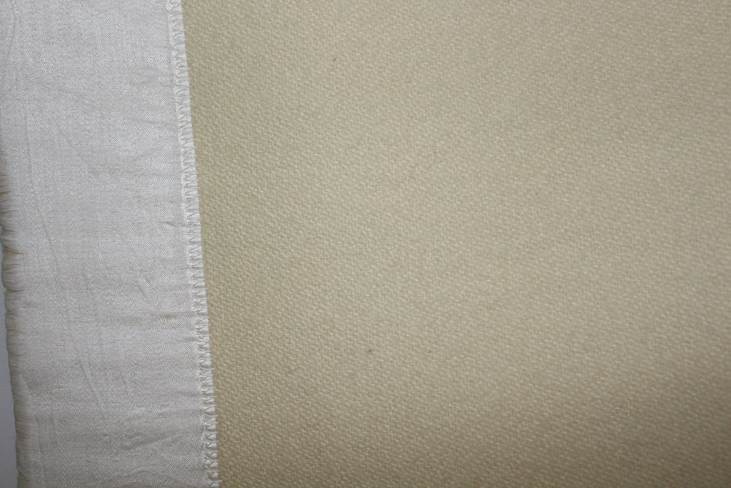 "Pair Kenwood Blankets Canada Ivory Wool Beautiful Weave 65"" X 83"" Each unusual"