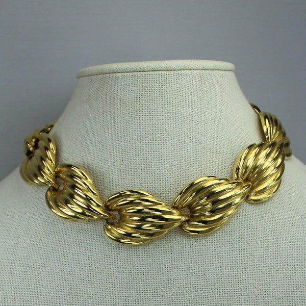 Classic Vintage Choker Gold Metal Leaves Necklace Dimensional 1970s