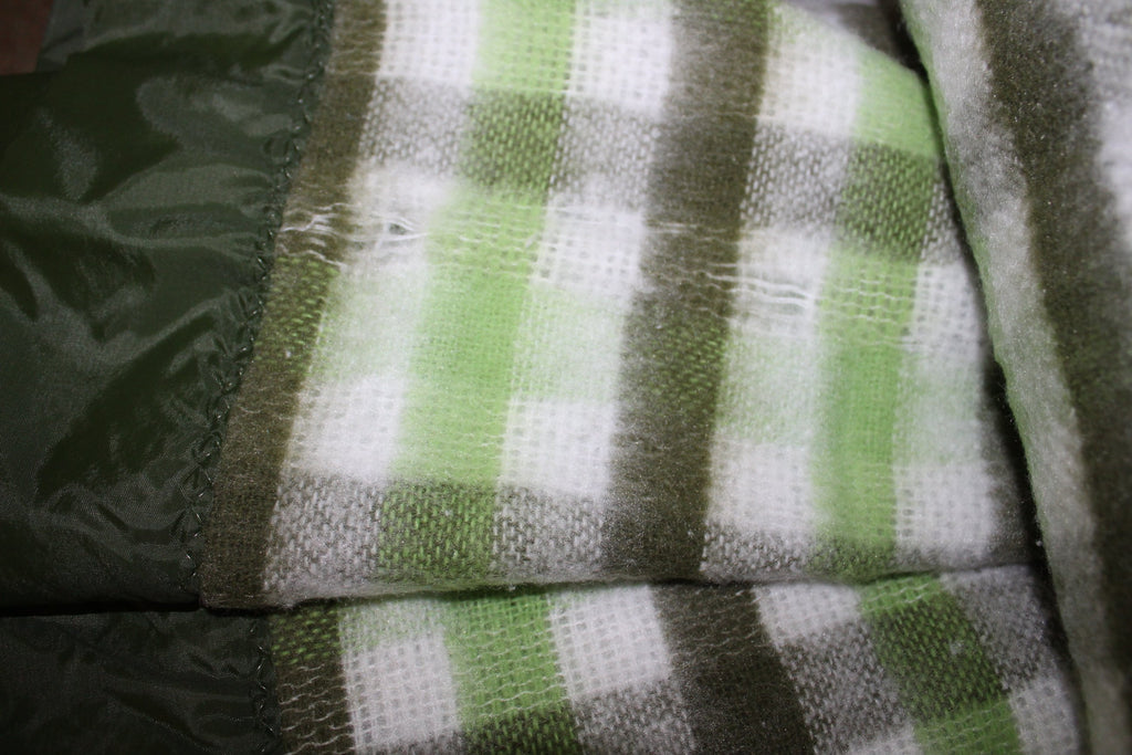 North Star Chatham Acrylic Blanket Green White Plaid Unused fluffy nap