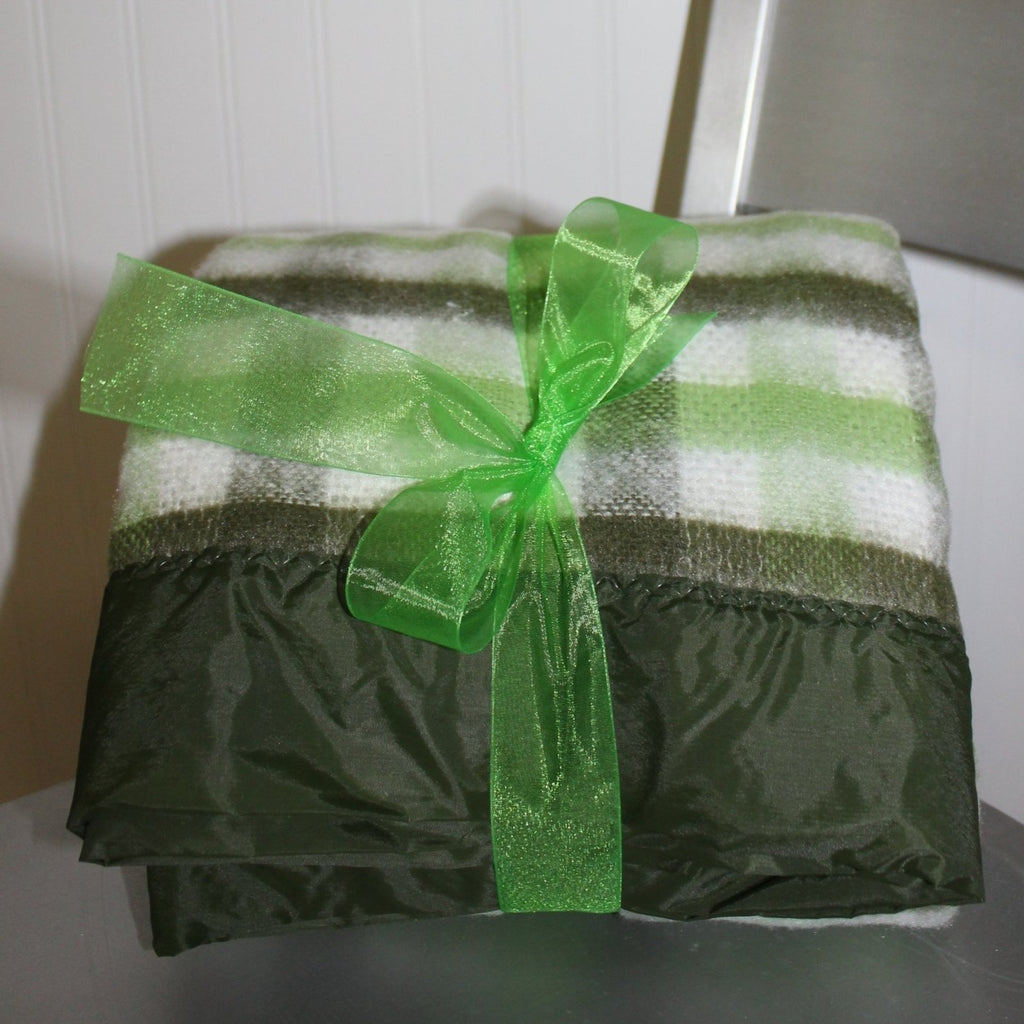 North Star Chatham Acrylic Blanket Green White Plaid Unused