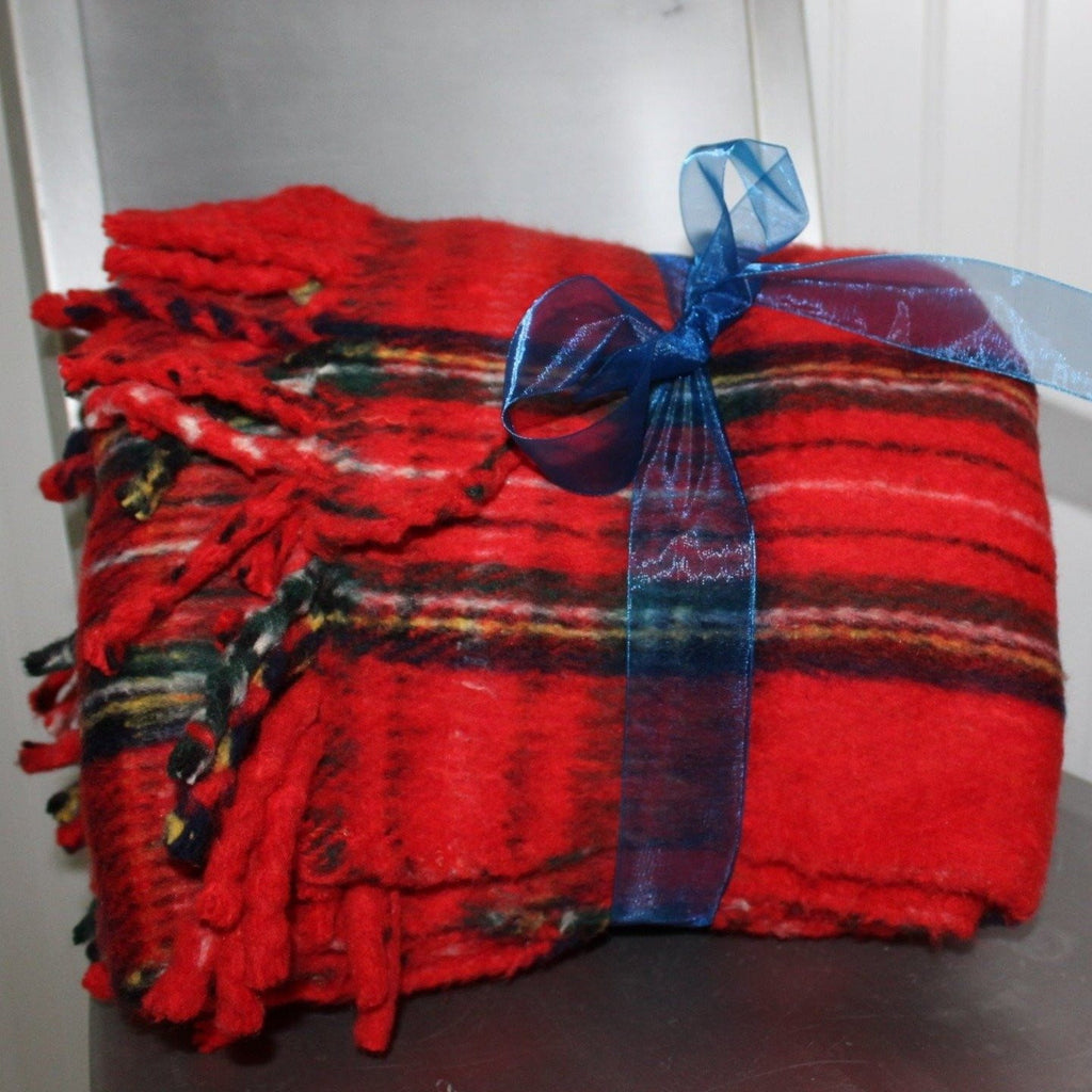Acrylic Blend Throw B Altman Made Italy Red Tartan Plaid Heavy Dense