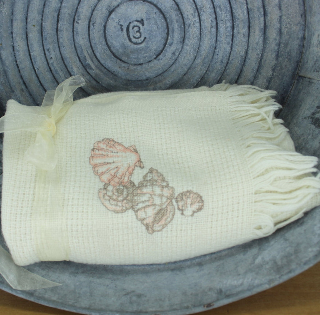 faribo ivory throw with shells design lovely colors excellent condition