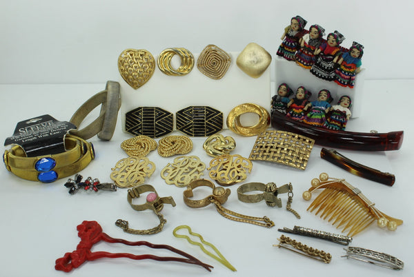 Vintage Accessories Lot 28 Pieces Hair Decor Purse Holders Shoe Dress Clips Sleeve Holders