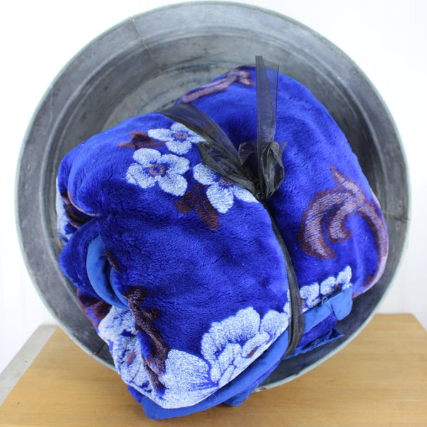 solaron shades of blue extremely heavy large blanket plush soft warm