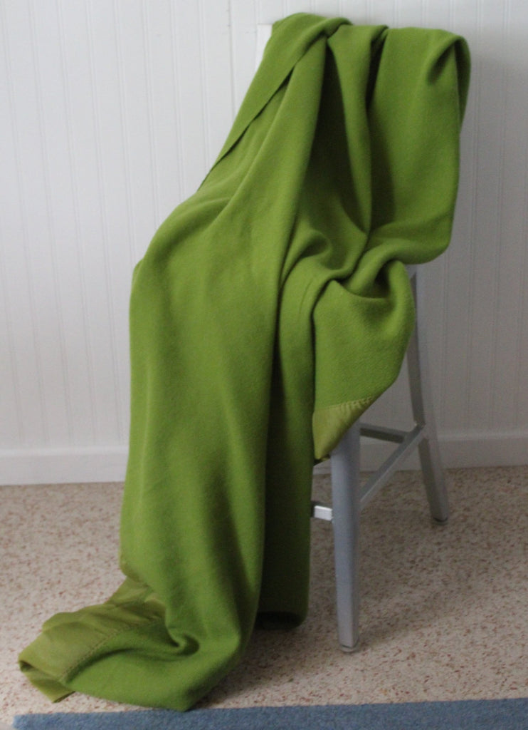 "Blanket Nylon Binding J P Stevens Vintage Avocado Green 72"" X 86"" all season"