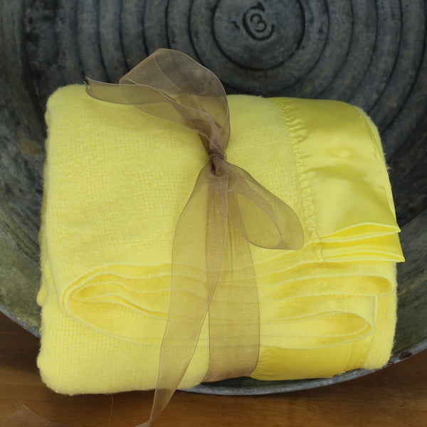 "Faribo Wool Blend Blanket - Yellow Basketweave - 77"" X 86"" USA"