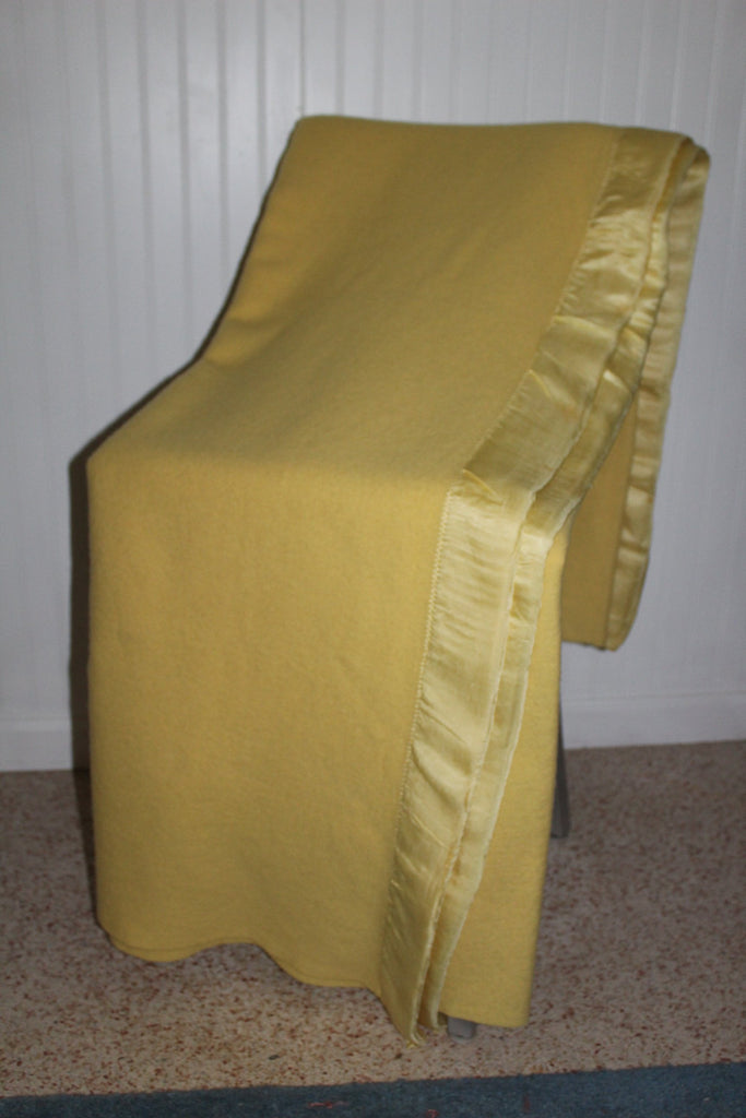 ST MARYS Ohio Blanket Butter Yellow Wool Dense Vintage all season